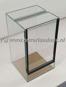 Mini terrarium 25*25*40 cm.